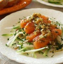 サーモンのカルパッチョ風サラダ