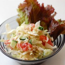鮭缶で作るサラダ