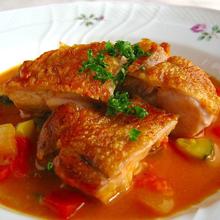 鶏もも肉のトマトカレー風味