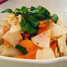 大根と柿のサラダ