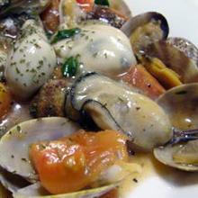 旬の牡蠣で、アクアパッツァ