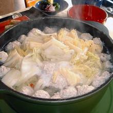 白菜漬けと鶏団子の鍋