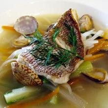 真鯛のポワレ・春野菜のスープ仕立
