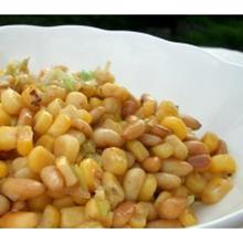 トウモロコシと松の実の炒め物