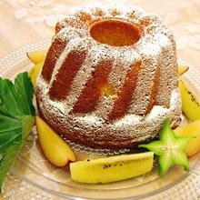 フレッシュパイナップルのケーキ