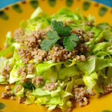キャベツのベトナム風サラダ