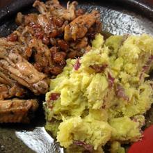 鶏肉の赤ワインビネガー煮込み マッシュスイートポテト添え