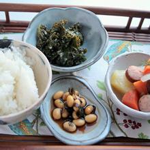 炊飯器で作る大豆とワカメ煮