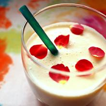 パイナップルの豆乳ラッシー
