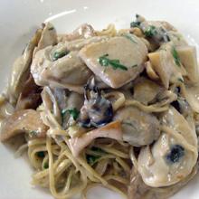 牡蠣とキノコのクリ-ムパスタ
