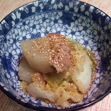 白菜と大根、豚バラ肉のにんにく味噌煮