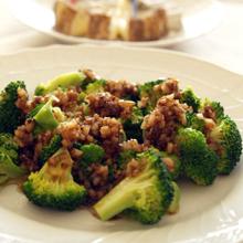 玉ねぎドレッシングのブロッコリーサラダ