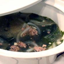韓国風ワカメと牛ひき肉のスープ