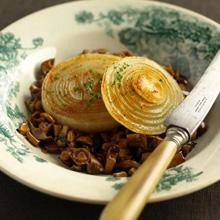 玉ねぎステーキ きのこバルサミコソース