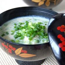 生海苔と山芋の味噌汁