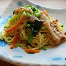 塩麹漬け豚と小松菜の焼きそば