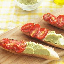 枝豆とトマトのタルティーヌ