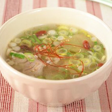 鶏とたっぷりお葱の塩糀白湯スープ