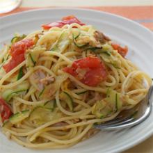 ズッキーニとミニトマトのスパイシーパスタ