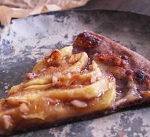 黒米粉と無花果(いちじく)のデザートピザ