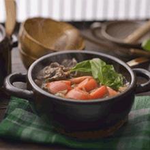 トマトとバジルの洋風すき焼き