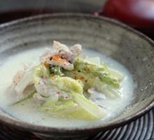 豚と白菜の豆乳鍋