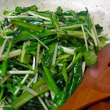 小松菜と水菜のアンチョビソテー