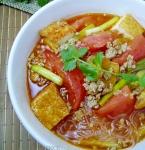 ベトナム風トマト麺 「ブンリュウ」